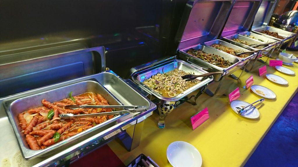 金沢市片町の APREエスニックビアガーデン 料理写真